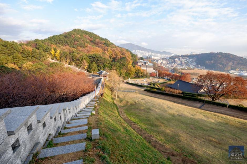 東莱邑城 [1/2] 文禄の役で日本軍が攻略した朝鮮王朝の行政拠点。 – 城 ...